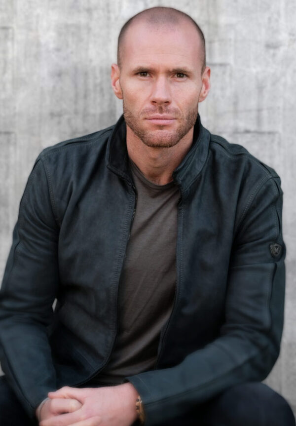 <strong>Oliver Trevena</strong>Actor and Producer